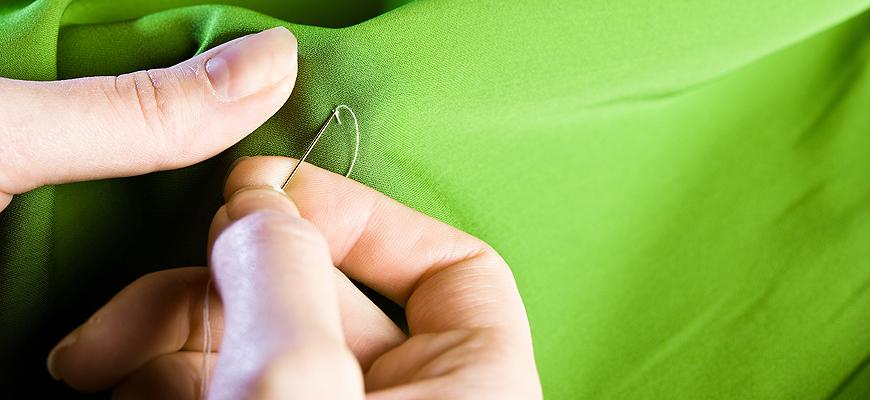 una-bottega-artigianale-a-busto-arsizio-per-la-realizzazione-e-il-restauro-di-salotti-poltrone-divani-tendaggi-rivestimenti